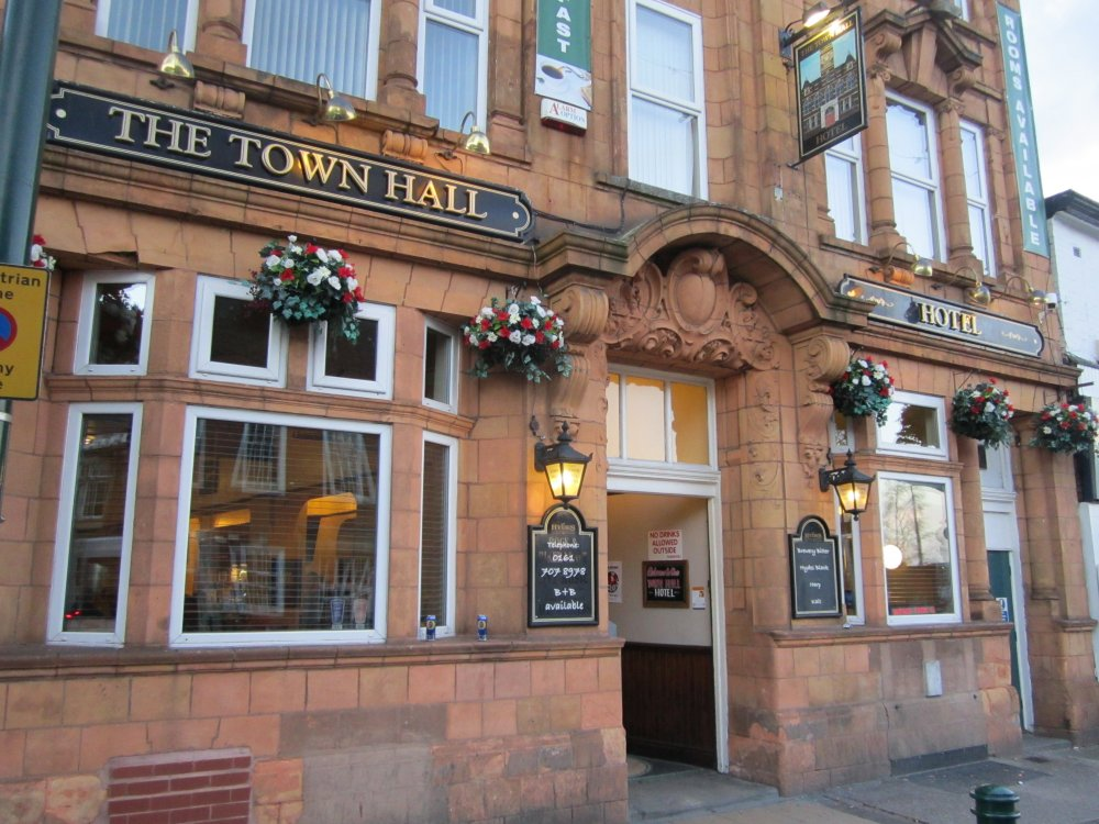 The_Town_Hall_Hotel,_Eccles_(1).JPG